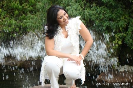 Gisele Nascimento fotografa para novo CD