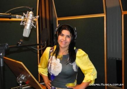 Vanilda Bordieri finalizando gravações
